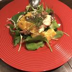 カラフー - ネーブルとタコ、フェタチーズのサラダ 950円