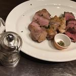カラフー - おまかせお肉のロースト3種盛り 2350円