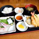 ぴんぴんや ゆたか丸 - 料理写真:ぴんぴんや定食
