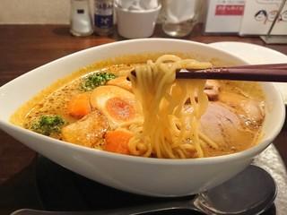 バルム食堂 - 太麺(浅草開化楼製)