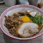 徳島ヌードル ぱどる - 料理写真:まぜそば 全部増し 950円