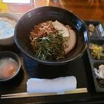 本町ケンボロー - 油ねぎそば(太麺)¥750
