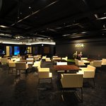 ASSO - テーブル 32席 広々とゆとりがある店内です☆ちょっぴりりっちでラグジュアリーな空間で盛り上がっちゃおう♪