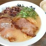 麺屋小鉄 - 豚骨ラーメン