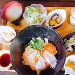 109487494 - 海鮮丼(日替りプレート)
