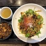 炎麻堂 - 汁なし坦々麺(1,000円)+ミニ麻婆丼セット(200円)