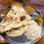 南インド食堂 ビーンズ オン ビーンズ -