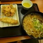 麺許皆伝 - 料理写真:肉うどん+海老かき揚げ+ちくわ天ぷら