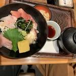 亀甲堂 - 市場直送の海鮮丼