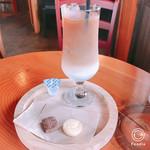 喫茶 en - ドリンク写真:アイスカフェラテ
