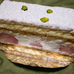モナミ洋菓子店 - ミルフィーユ ¥350