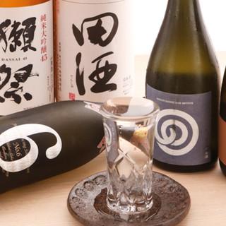 日本酒は入手困難な限定銘柄をご用意。料理とともに楽しんで◎