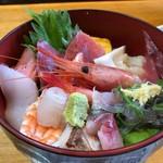 瀬浜寿司 堂ヶ島 - 料理写真:海鮮丼 1700円。