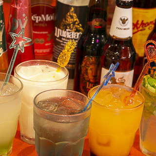 お酒やドリンクの種類も豊富!タイのウィスキーやビールをどうぞ