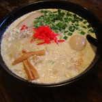 10951967 - 感動的マヨ豚骨麺(当店人気NO.2)←1度は食べてみようという人間心理を利用か?