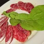 肉料理専門店 瑞流 - サラミ