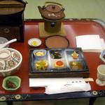 ゆふいん山水館 - 「秋風薫る会席」前菜と小鉢と食前酒