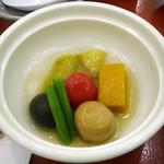 ゆふいん山水館 - 「秋風薫る会席」冷やし野菜煮物餡かけ