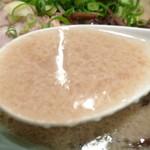 メロディ - 東京とんこつらーめん(730円)~スープ ※上澄み