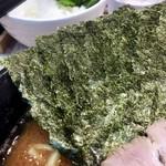 麺家 千祥 - 海苔増しは5枚50円。