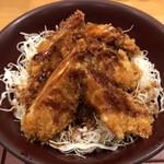 かつたに - 料理写真:ささみソースカツ丼594円