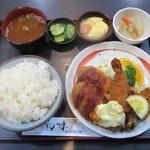 初味 - 料理写真:ミックスフライ定食 950円 + ご飯 大盛り 50円 = 1,000円(税込)。       2019.06.11