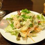 Bistro Kana - エビとアボカドのサラダ