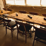 ワインショップ&ダイナー FUJIMARU - 5卓テーブル