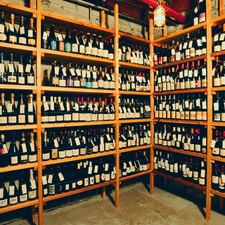 ワイン好き必見!約1,000種のワインがその場で楽しめます