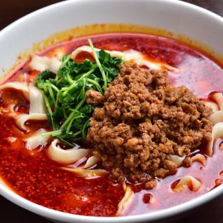 味覚名物「刀削麵」は、コシのある麺と絶品スープにこだわり有り
