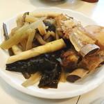 郷土料理 かずみ - テビチと野菜の煮物