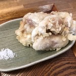 Matsuna - かしわ天は非常に軽い食感、絶妙な揚げ具合。