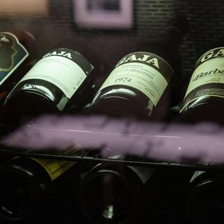 北から南まで厳選したイタリアンワイン300本以上をオンリスト
