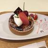 パティスリー ラパン・ド・ネージュ - 料理写真:サクランボとグレープフルーツのタルト
