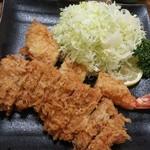 とん平 - 料理写真:エビとロースかつ