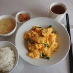 源源飯店 - 料理写真:玉子とニラ炒め¥700-