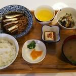 ととや - 料理写真:煮魚定食(イワシ)