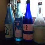 牡蠣と日本酒 楽 RAKUバル -