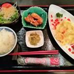 Kitashinchikyouka - 曜日ごとに固定の日替わりランチ1,000円、金曜は海老のフリッターのマンゴーマヨネーズ