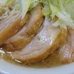 ラーメン二郎 - 豚が大きめ厚めでお腹いっぱい