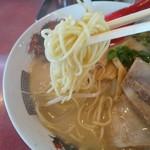 らーめんゲンコツ屋 - 中太ストレート麺