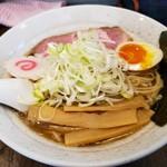まつおぶし - 料理写真:煮干し中華そば750円+ネギ50円!