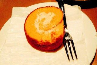 六曜社 地下店  - ロールケーキ