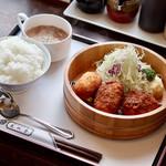 文化亭 - 料理写真:コロッケ盛り合わせランチ