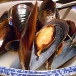 109619877 - ガリシア産ムール貝のワイン蒸し