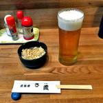 さ蔵 - 生ビール & お通し(モヤシの卵とじ)