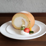 キッサ マシマロ - 料理写真:2019年6月再訪:ロールケーキ☆