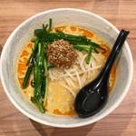 ユトリ - 担々麺(カレー味)