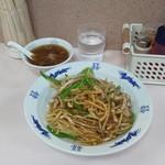 中華料理 やまだ - 肉丼(670円)