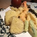 マグロ 日本酒 吟醸マグロ - 天ぷら盛り合わせ